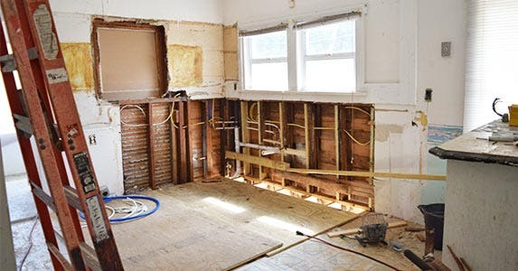 6 home remodeling project tips to avoid overspending for Kitchen home improvement