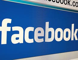 Take advantage of social media © PromesaArtStudio/Shutterstock.com