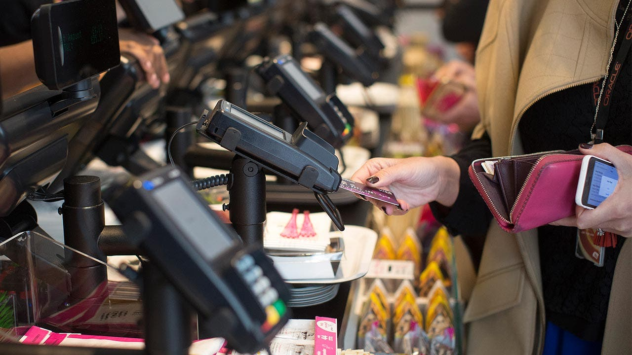 Take the bait of a 0% credit card? | Bloomberg/Getty Images