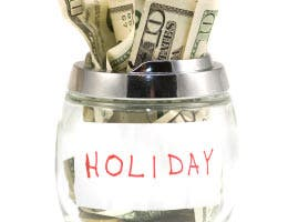 7 ways to stick to your holiday budget