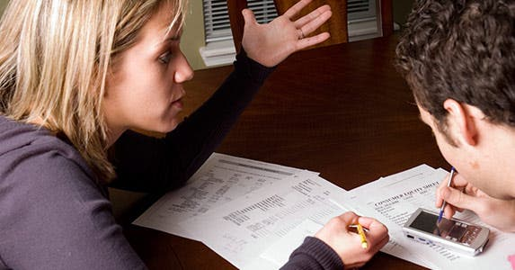 Fighting with your partner over finances © iStock
