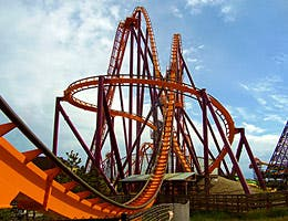 Theme park engineering © Jessica Bethke/Shutterstock.com