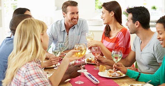 Frugalize your parties © Monkey Business Images/Shutterstock.com