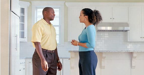 Keep emotion out of selling a home © Still Representation - Fotolia.com