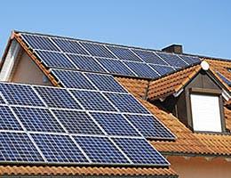 Solar © manfredxy/Shutterstock.com