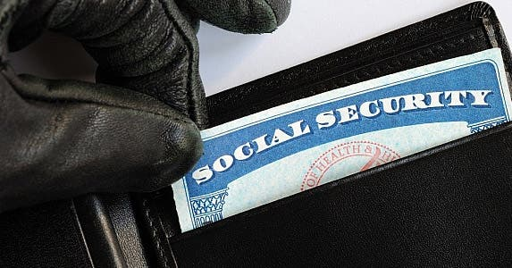 The grisly facts of identity theft © Johnkwan/Shutterstock.com