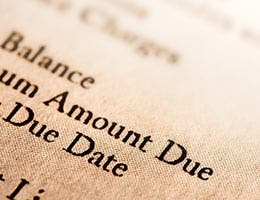 Longer billing periods, free credit reports © photastic/Shutterstock.com