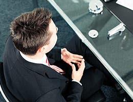 Boast and interrupt © Kzenon/Shutterstock.com