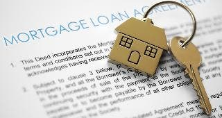 Mortgage loan agreement © Brian A Jackson/Shutterstock.com