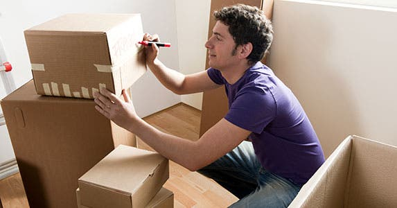 Free boxes, van sharing and affinity deals © stefanolunardi/Shutterstock.com
