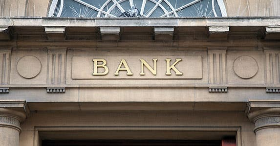 The truth about banks © Kevin George/Shutterstock.com
