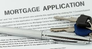 Mortgage application © Marzky Ragsac Jr. / Fotolia.com