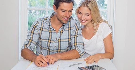 You can beat rising bank fees © lightwavemedia/Shutterstock.com