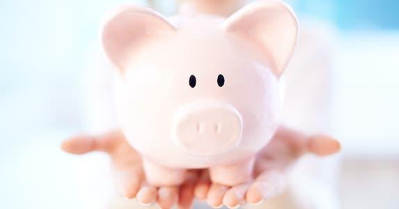 Bank product: Plain savings account © Pressmaster/Shutterstock.com