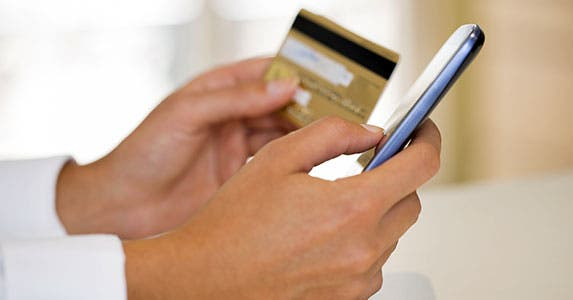 Mobile-Gifting Etiquette 101 © LDprod/Shutterstock.com