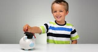 Child saving for college © Brian A Jackson/Shutterstock.com