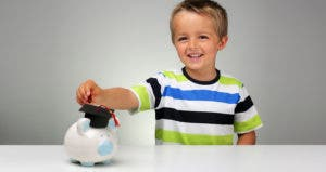 Child saving for college © Brian A Jackson/Shutterstock.com