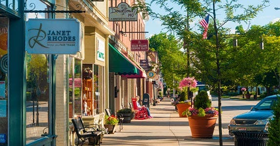 Does it pay to shop locally? © iStock