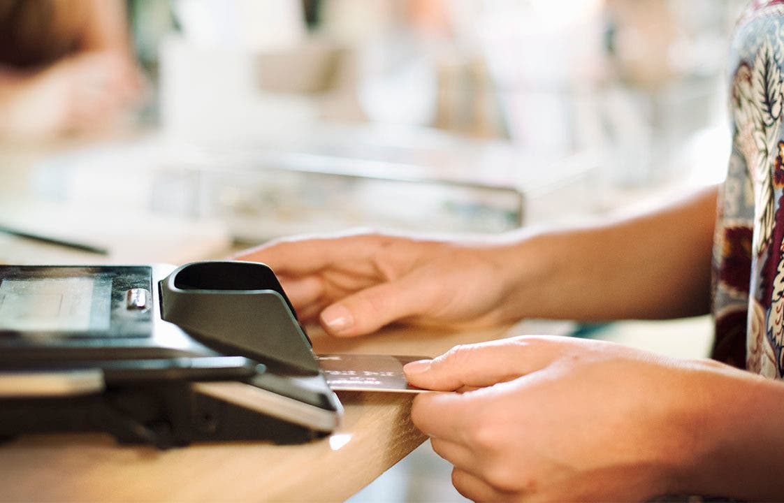 The Differences Between A Charge Card And Credit Card | Bankrate.com