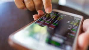 63% of smartphone users have at least one financial app