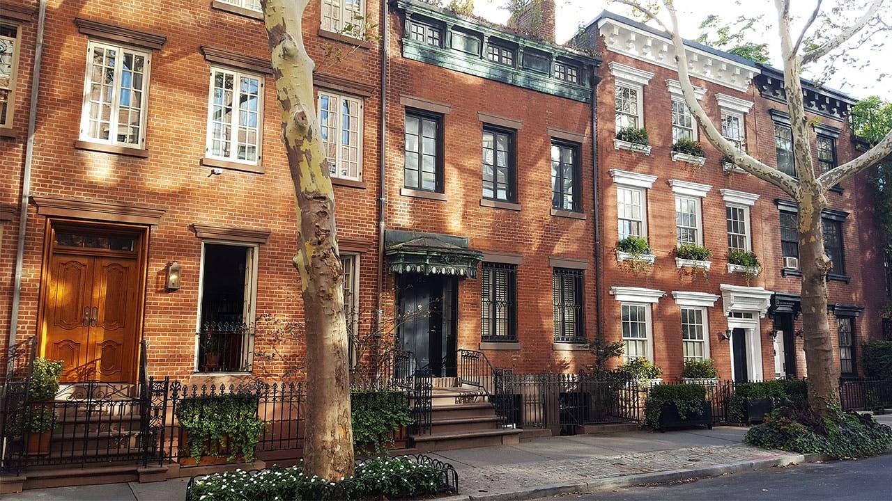 Manhattan brownstone apartments