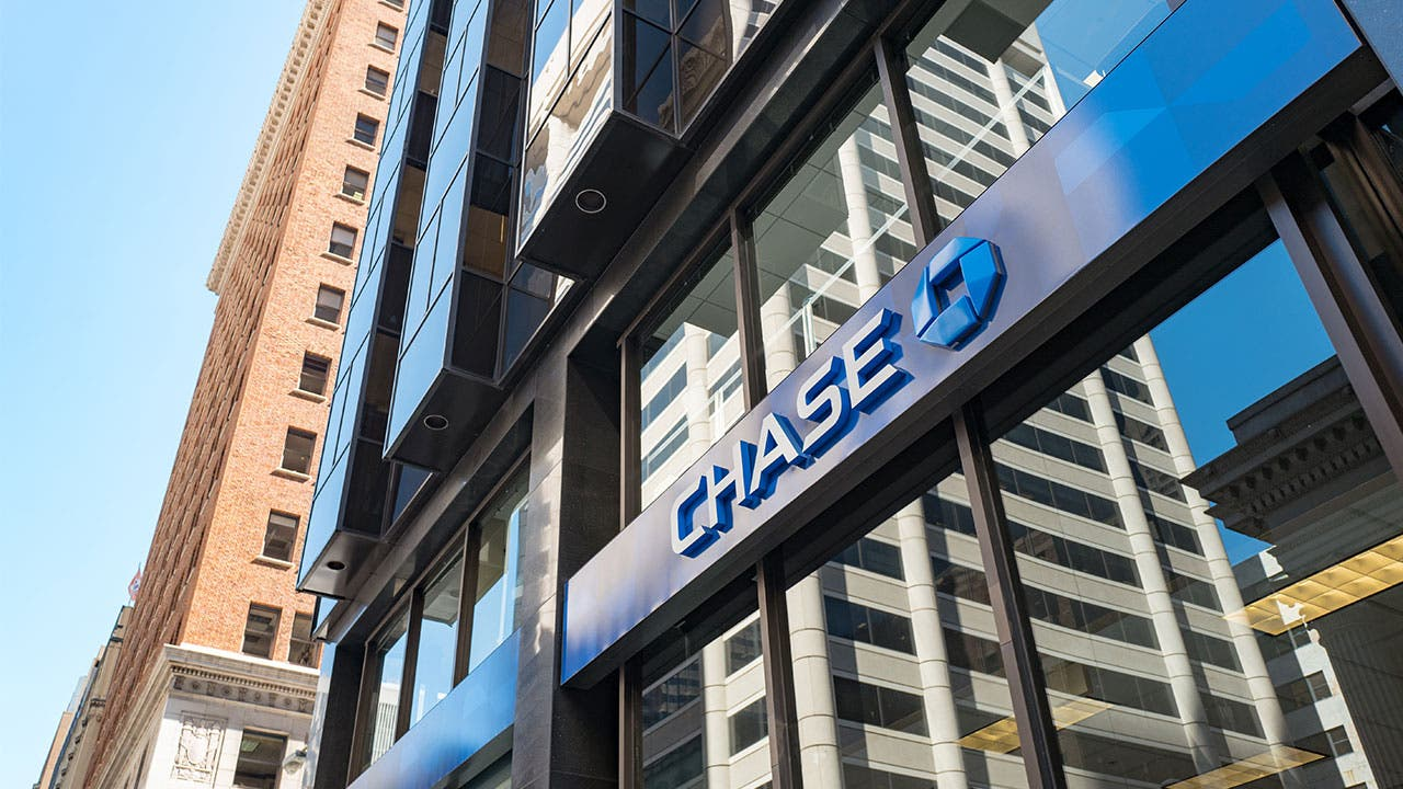 Big Banks Spend Billions On Tech But Innovation Lags | Bankrate