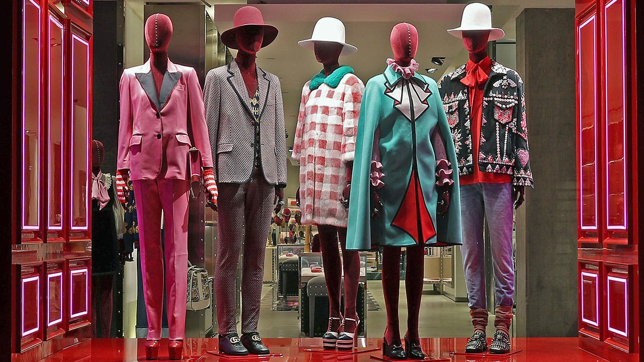 Mannequins on Chanel display