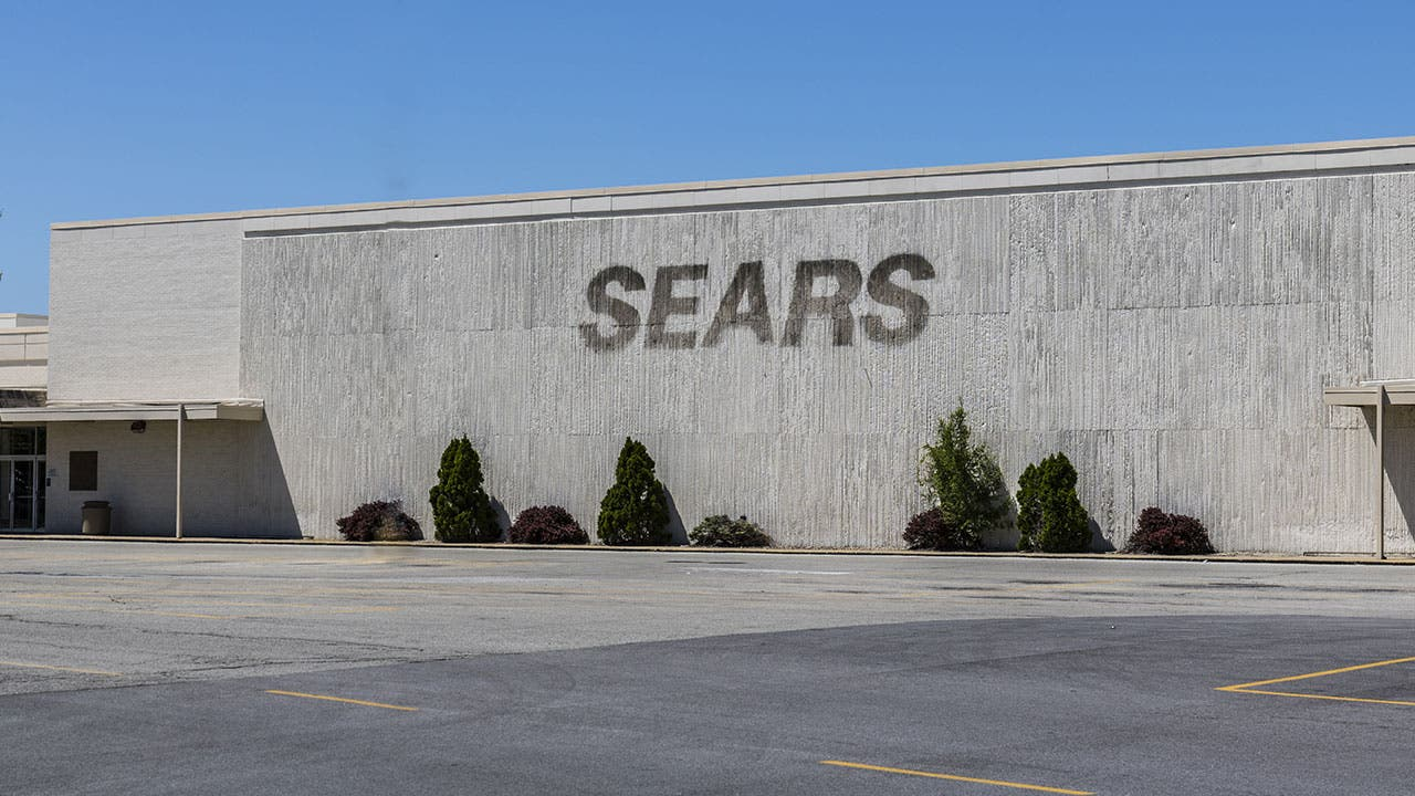 Closed Sears exterior