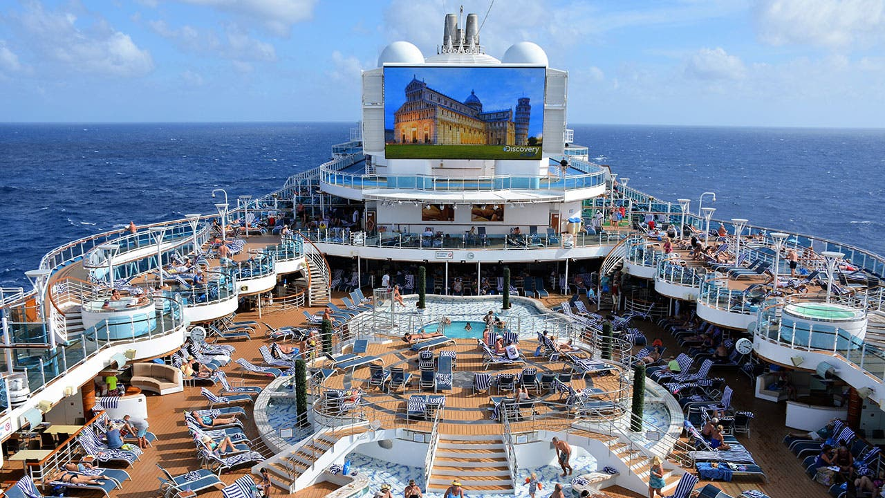Best Cruise Credit Cards for FREE Cruises, Balcony Room ...