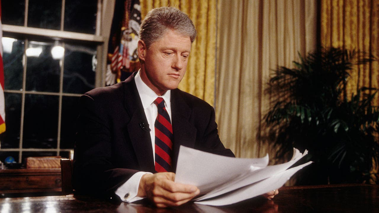 President Bill Clinton in Oval Office