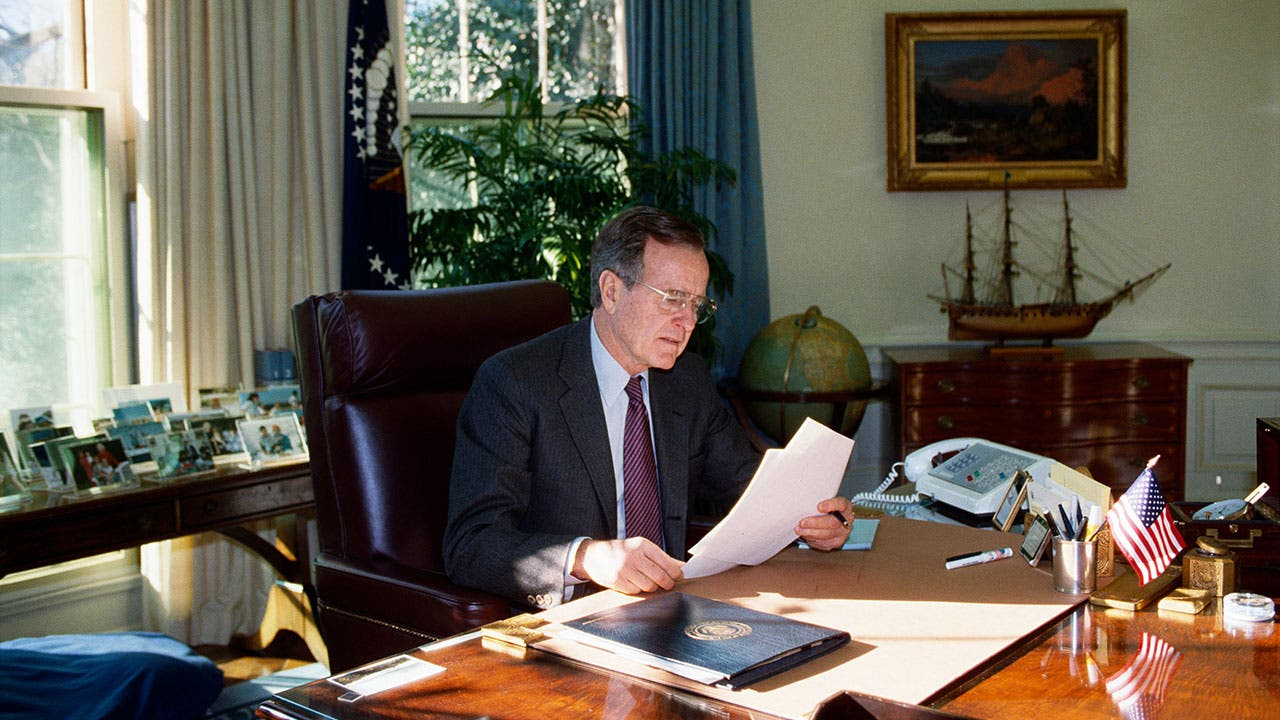 George H W Bush in Oval Office