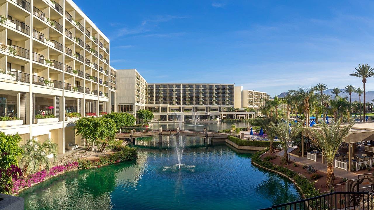 Marriott Hotel pool