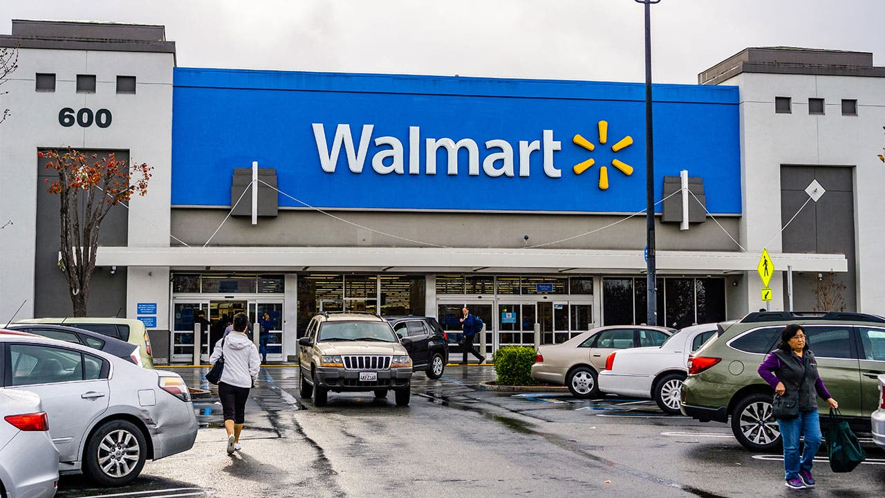 13 Financial Services Walmart Offers That You Probably Didn
