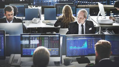 Survey: Investment pros bullish on near-term performance, cautious long-term
