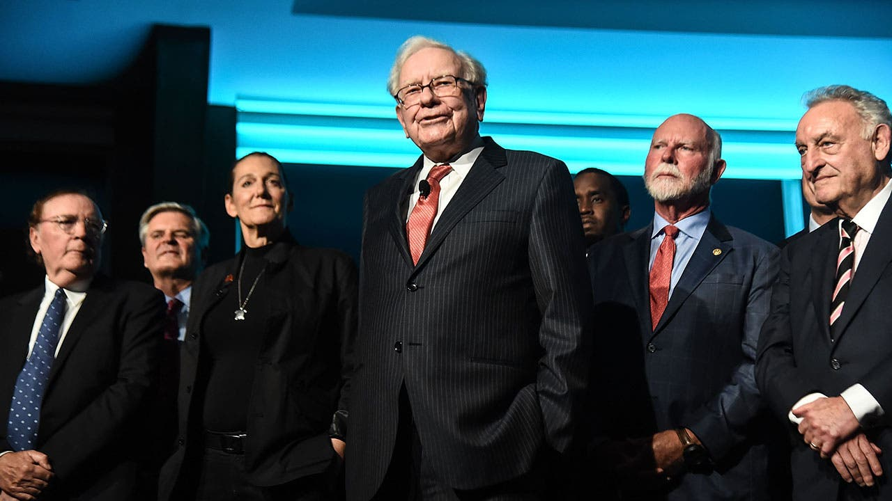 Strange Warren Buffett Says To Avoid These Two Types Of Hot Home Interior And Landscaping Ferensignezvosmurscom