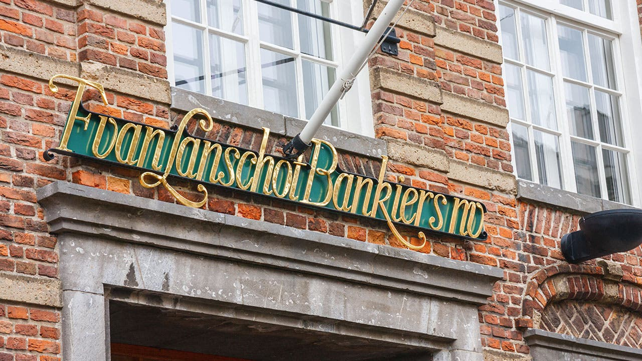 Van Lanschot bank entry