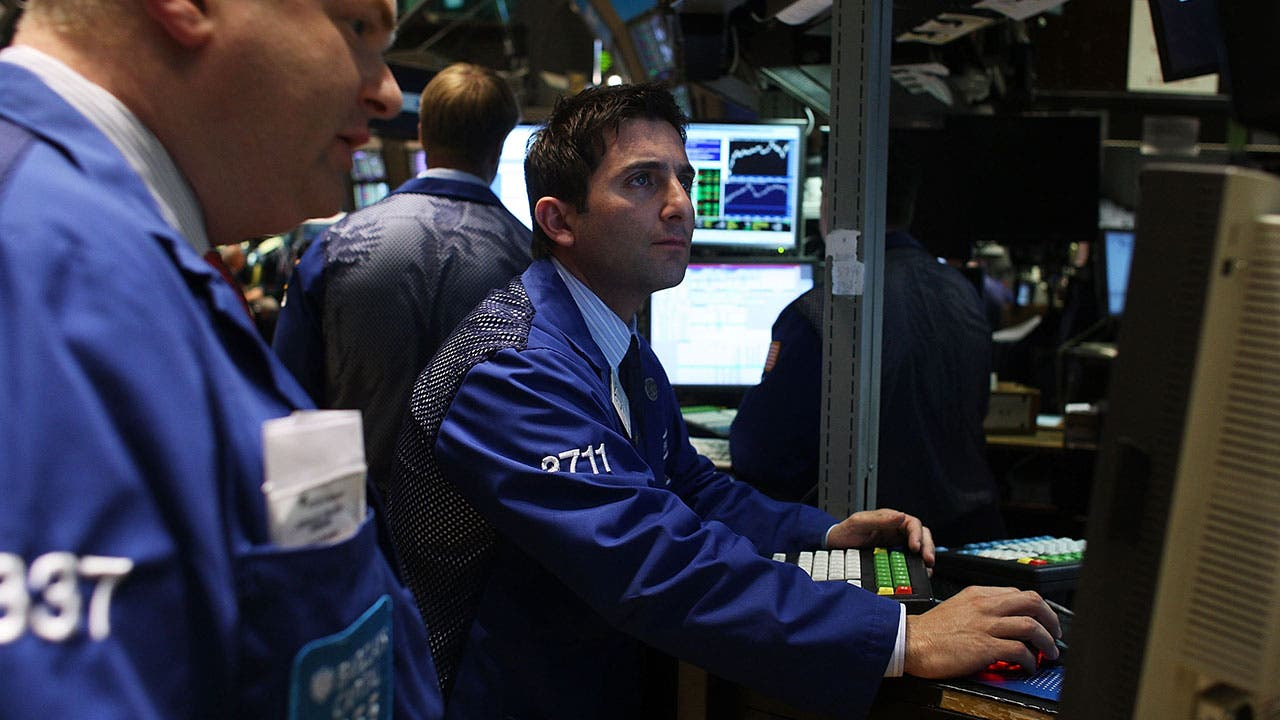 Stock brokers on the New York Stock Exchange