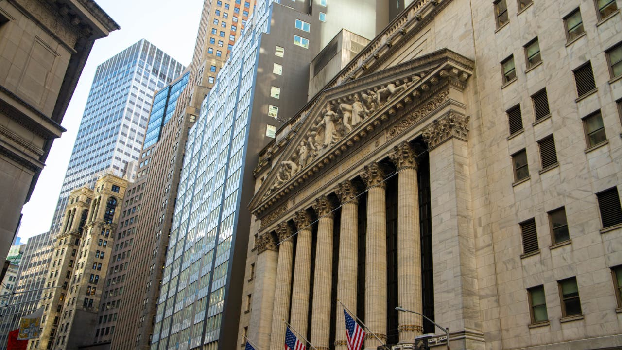 A picture of the outside of the New York Stock Exchange