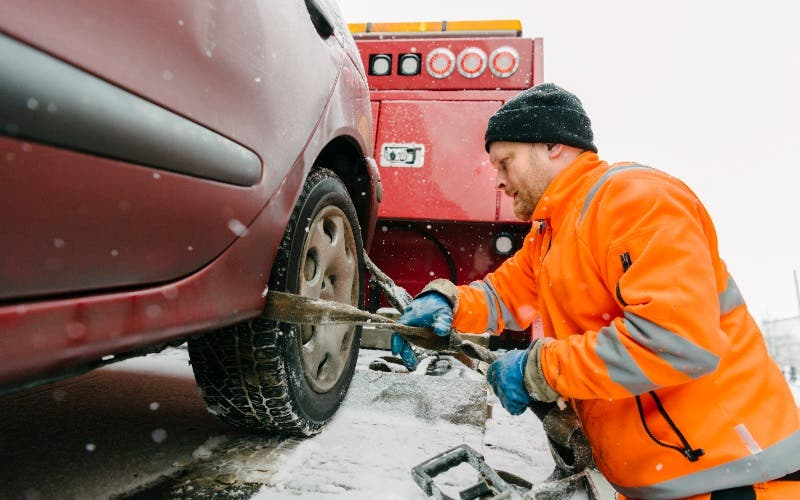 The Ultimate Guide to Roadside Assistance