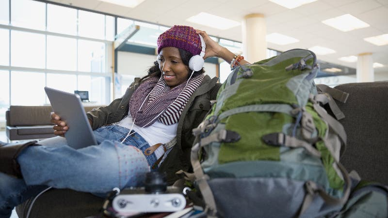 Booking on a budget: Get home for the holidays with these tips