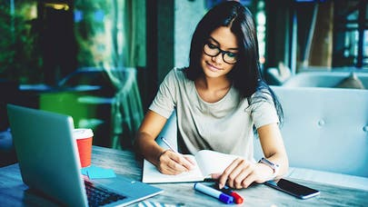 Put these 6 things on your year-end financial checklist right now
