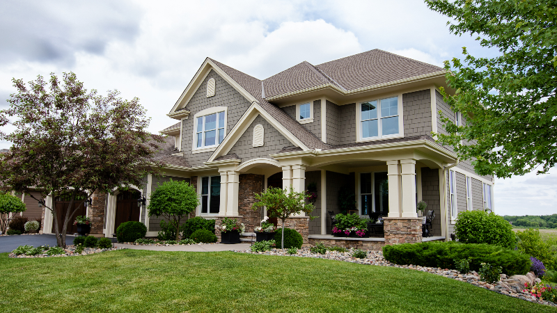 What is a homeowners insurance deductible?