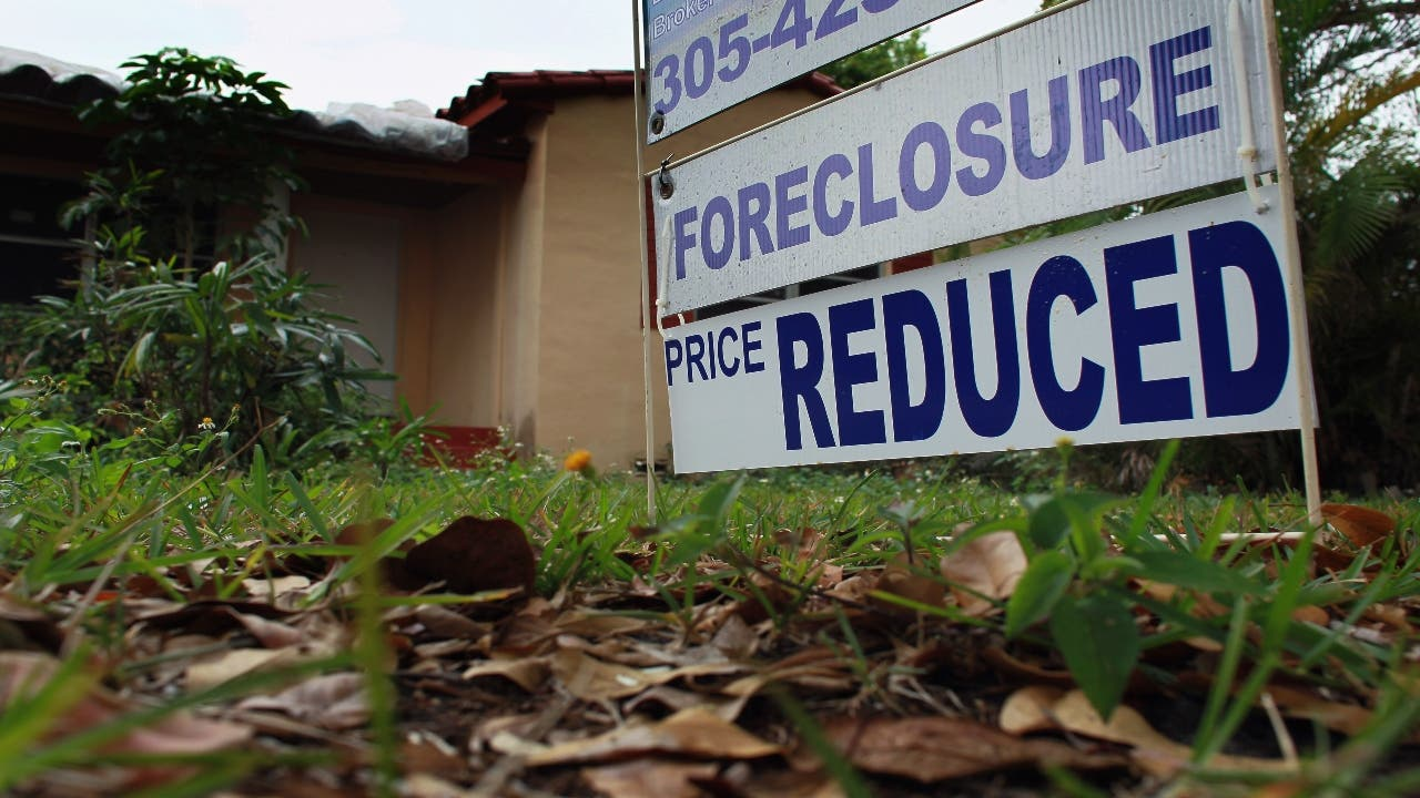 Federal Housing Agencies Extend Moratorium on Foreclosures
