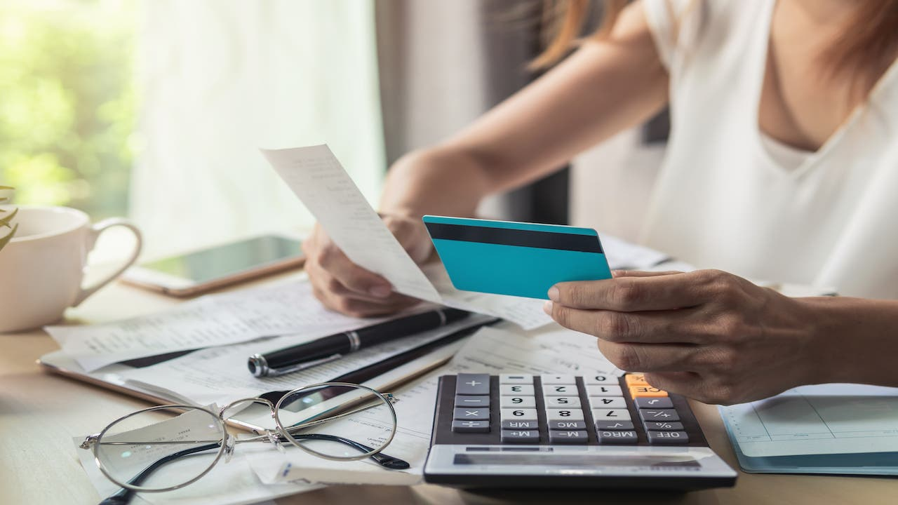 Should You Pay Debt Before Saving?